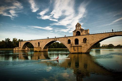 A-t-on vraiment dansé sur le pont d'Avignon?