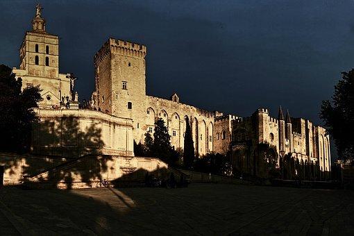 Avignon et le Palais des Papes (Vaucluse)